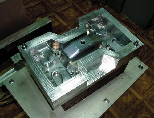 Стержневой ящик для стержневой машины Laempe. Деталь— анкерAPC-4. Заказчик— ООО «ЧЛЗ» (г.Подольск)