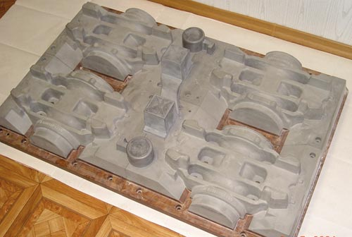 Модельный комплект верха (а) и низа (б) оснастки для автоматической формовочной линии Материал— Lab 1000. Заказчик— ООО «Балта» (г.Набережные Челны)